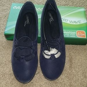 Easy Street comfort wave blue leather shoes